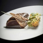 Magret de canard rôti et son wok de légumes